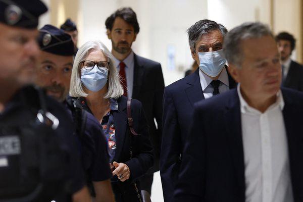 François et Penelope Fillon au Palais de Justice de Paris lors du premier procès en juin 2020