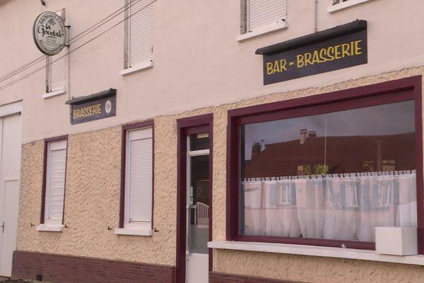 À Croixrault, dans la Somme, l'épicerie du village a rouvert début novembre. Le village n'avait plus de commerces depuis deux ans.