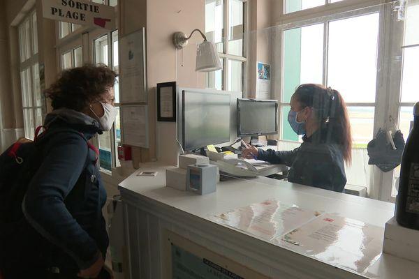 Pour aider les professionnels de l'hôtellerie, le Conseil départemental de la Somme offre 10000 chèques de 80 euros pour rembourser des nuitées dans le département.