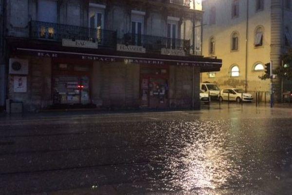 Pluie au centre de Montpellier