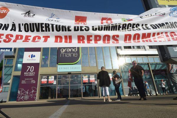 Les salariés du Carrefour Grand Maine à Angers refusent l'ouverture du dimanche, 15 septembre 2019