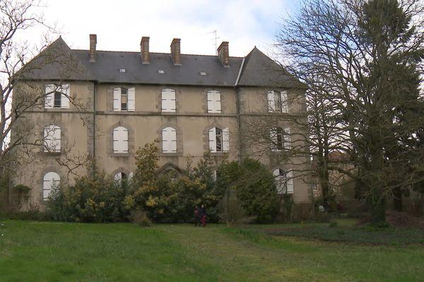 Une maison sur trois étages appartenant à la ville de Rennes abrite désormais une cinquantaine de migrants