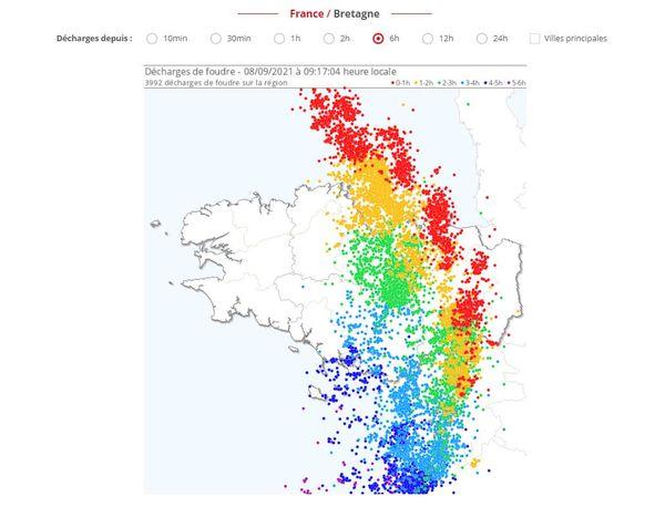 Carte des impacts de foudre depuis le site spécialisé Keraunos à 9h ce mardi 8 septembre