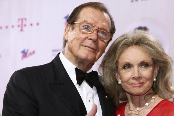 L'acteur britannique, photographié ici en 2009 avec sa femme, n'aime pas le foie gras