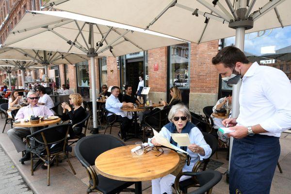 Une terrasse toulousaine lors de la réouverture des bars et restaurants après 3 mois de confinement, le 2 juin 2020.