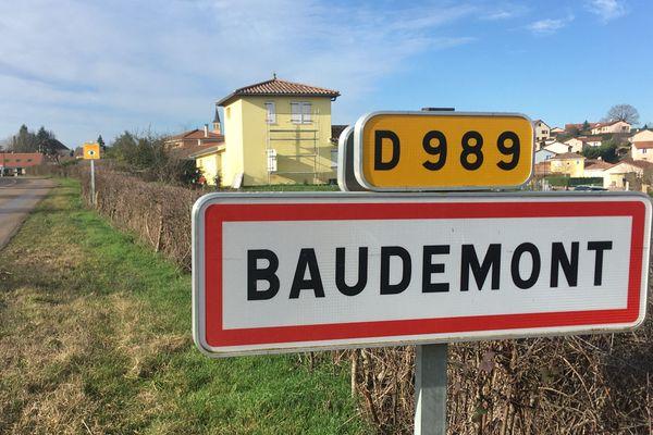 Le village de Baudemont est situé à côté de La Clayette, en Saône-et-Loire.
