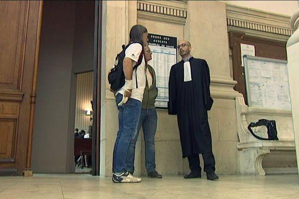 Un représentant du CHSCT et l'avocat Maitre Berbra au tribunal du Havre