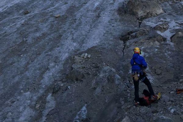 """Le corps de l'alpiniste a été retrouvé sur le """"Glacier Long"""" dans le massif des Ecrins"""