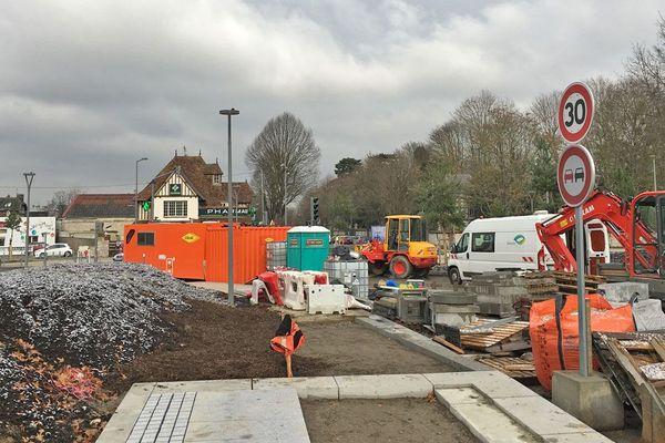 31 janvier 2019: travaux au rond-point des Bruyères au sud de Rouen ( photo prise en regardant vers Rouen)