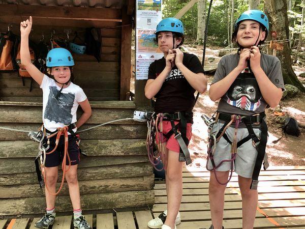 Louane, Jean-Paul et Lucas, prêts à aller vers l'infini et au-delà ! Mais pas trop haut quand même.