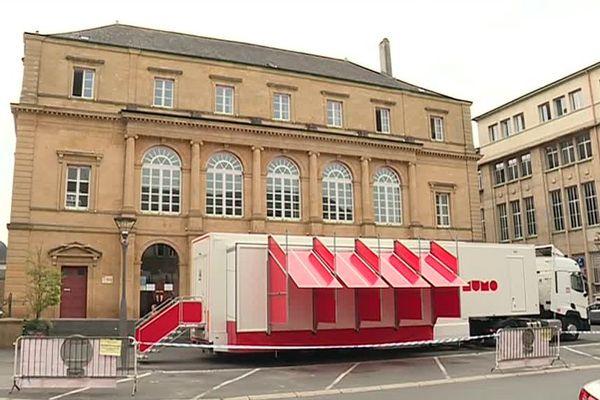 Le Musée Mobile d'art contemporain vous ouvre ses portes jusqu'au 27 juillet inclus.