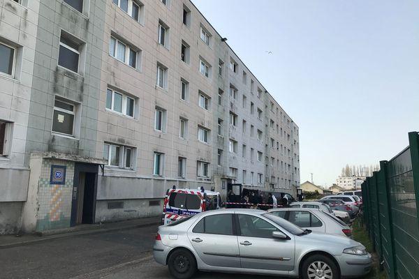 L'ancien compagnon aurait porté plusieurs coups de couteau à son épouse dans leur appartement situé rue de la Belle Etoile au Havre.