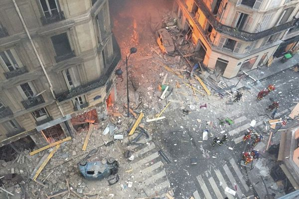 Vue aérienne de la rue de Trévise après l'explosion le 12 janvier 2019.