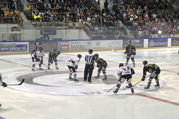 Dimanche 21 octobre, les Amiénois étaient en déplacement à Rouen pour disputer un nouveau match en ligue Magnus.