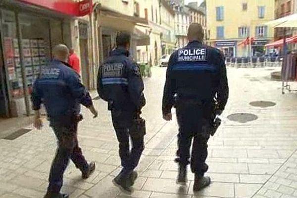 Mende - les policiers municipaux sont désormais armés - 1er septembre 2015.