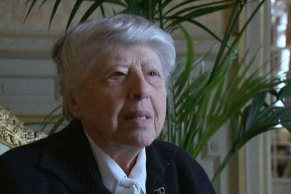 Jeannette Wolgust est une niçoise qui a été cachée pendant la guerre.