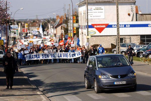 En 2003, 2500 personnes défilent à Romorantin contre le départ de Matra.