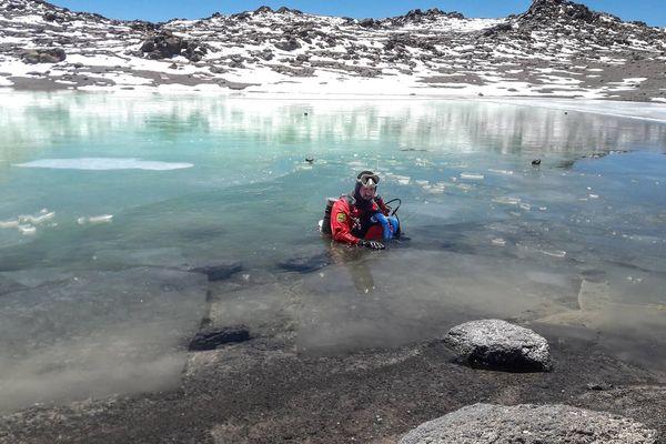 Le marseillais a plongé à 5870 mètres d'altitude en Argentine.