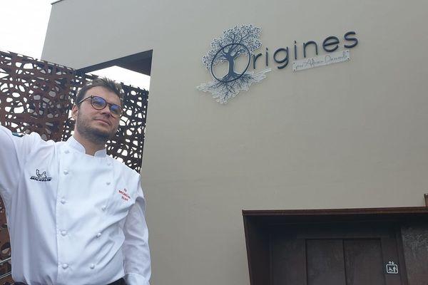 Adrien Descouls est le nouvel étoilé du guide Michelin. Avec son restaurant, « Origines » situé dans le petit village du Broc, dans le Puy-de-Dôme. Nous avons recueilli le témoignage de ce poète de la cuisine quelques heures après l'annonce du guide Michelin.