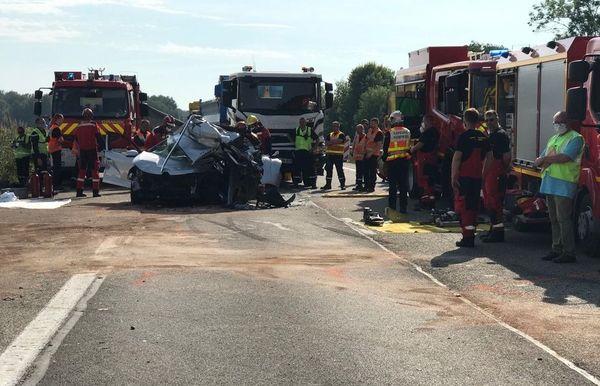 L'accident a fait un mort et dix blessés.