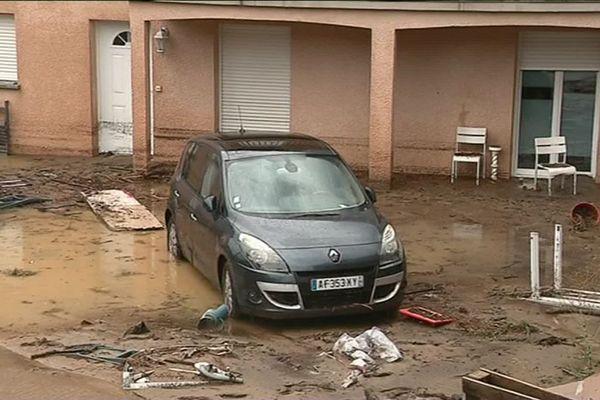 Le 6 août en fin de journée, dans le village de Pont-Salomon en Haute-Loire, le ruisseau traversant la commune est passé de 50cm à 1m50 de hauteur en quelques minutes à la suite d'orages d'une rare violence.