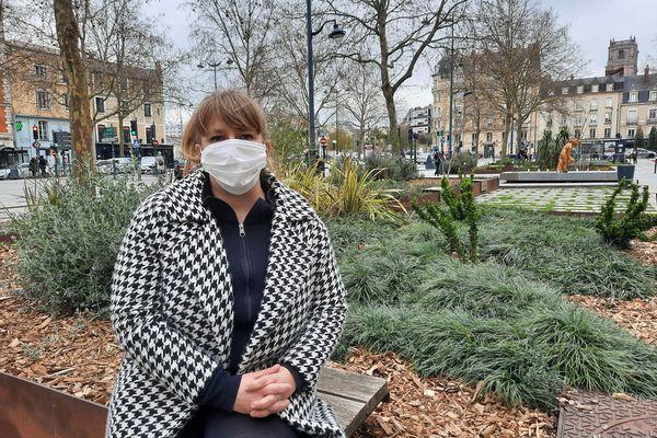 Pauline Michel est atteinte d'un Covid Long. Un an après avoir été infectée, elle a des symptômes persistants.