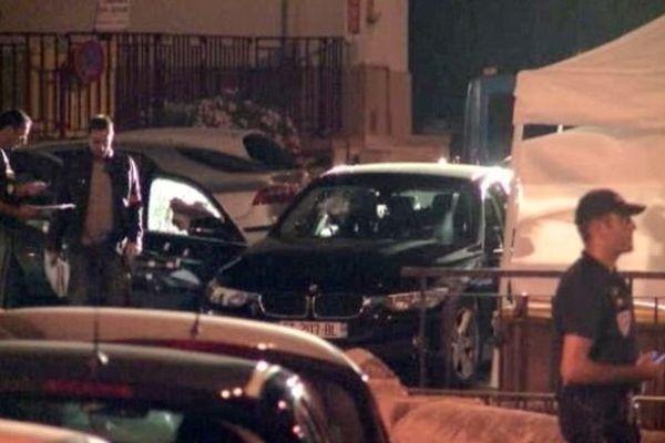 Une quarantaine d'impacts de balles ont été retrouvés sur le véhicule de la victime.