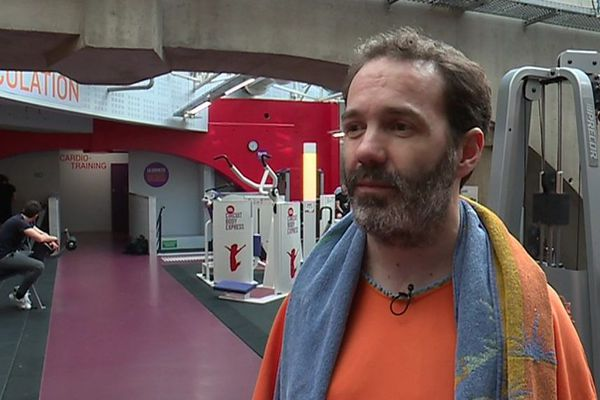 Fabien Toutlemonde vit grâce à une double transplantation (du coeur et du foie) qu'il a reçu en 2009.