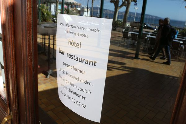 Les restaurants, fermés depuis le 15 mars, font partie des entreprises les plus durement touchées.