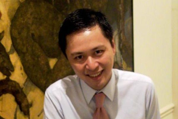 Le secrétaire national de l'UMP en charge de l'Asie, Chenva Tieu  est un chef d'entreprise de 47 ans né à Phnom-Penh. En juin 2012, il affrontait l'écologiste Denis Baupin aux législatives dans le 13ème.