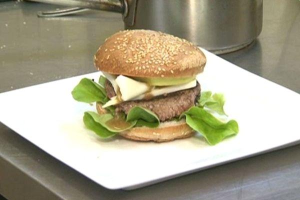 Lou Burger : le hamburger 100% Limousin. A déguster lors du Salon de l'Agriculture 2013