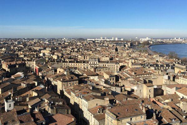 Le quartier Saint Michel à Bordeaux vu du haut de la flèche.