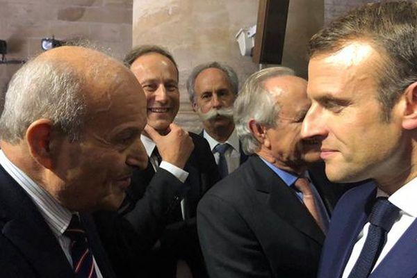 Emmanuel Macron et le PDG de Cevital à Pont-à-Mousson lors du périple mémoriel du Président, le 5 novembre 2018