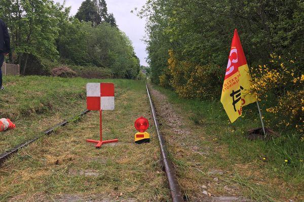 La voie ferrée de l'ancienne ligne Caen-Flers