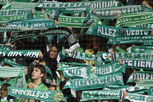 """""""Allez les Verts ! """" l'hymne de l'AS Saint-Etienne... Mythique depuis 1976, une chanson qui a largement dépassé l'enceinte du stade Geoffroy Guichard (archives)"""