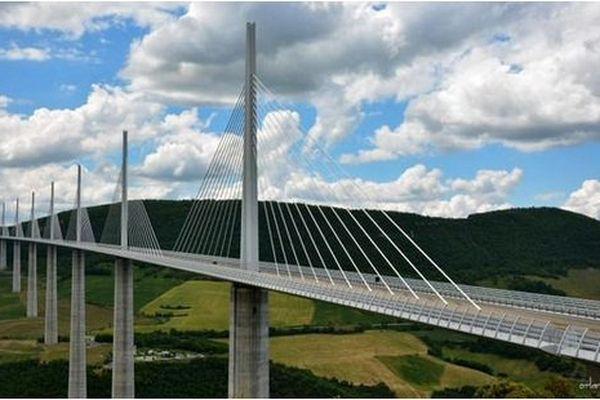 Le Viaduc de Millau, dans l'Aveyron