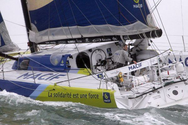 Macif de François Gabart et Michel Desjoyaux en tête de la Jacques Vabre 2013 en Imoca 60