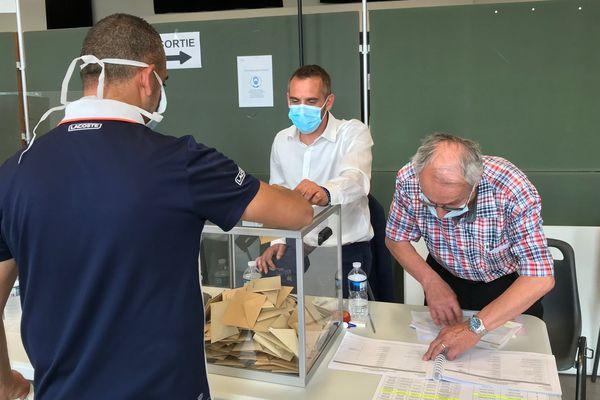 Simon Plenet était le président du bureau de vote n°5 à Annonay dimanche 28 juin 2020, lors du second tour des élections municipales.