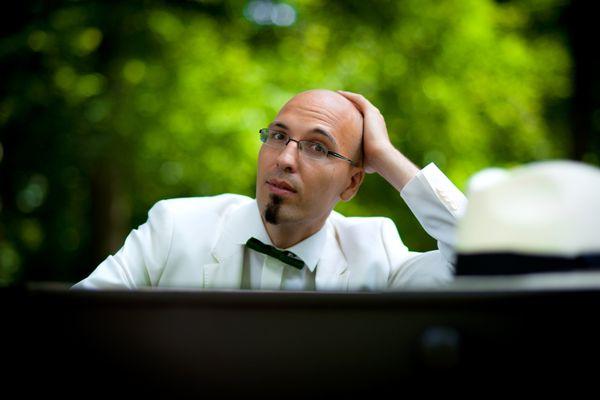 Compositeur, chef de chœur et enseignant à la Hochschule für musik de Freibourg, Johannes Söllner a gagné de nombreux prix de composition pour des œuvres pour chœur et orchestre dont le Prix Paul-Hindemith en 2013.