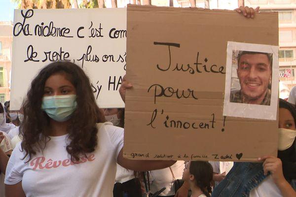 500 personnes ont participé à la marche blanche pour dire stop à la violence, depuis la place de Catalogne jusqu'au Palais de Justice de Perpignan, ville où vivait Hakim Zadni - 12/09/2020