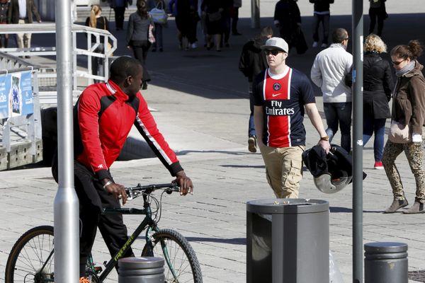 Illustration- L'arrêté interdisant le port du maillot du PSG, dimanche soir pris ce jeudi 20 août  en fin de journée a été abrogé ce vendredi 21 dans la matinée, par le préfet de police des Bouches-du-Rhône.
