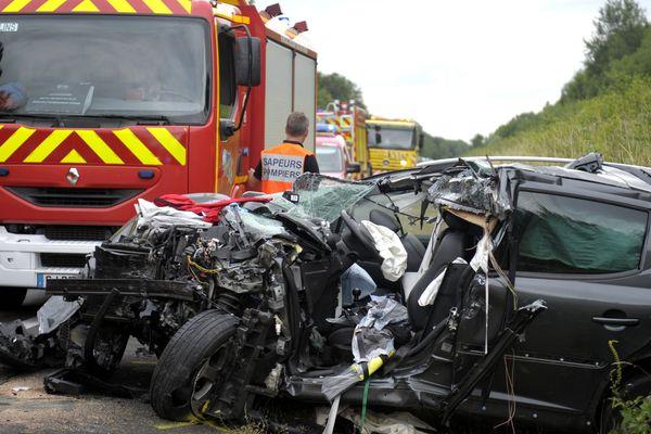 Le 11 juillet 2016, une conductrice de 65 ans a perdu la vie sur la RCEA, à hauteur de Montbeugny (Allier), suite à un choc frontal avec un camion.