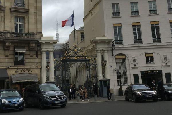02/10/17 - Une délégation de parlementaires corses était reçue lundi place Beauvau pour une réunion sur les finances de la future collectivité unique de Corse