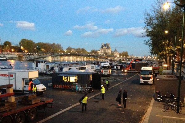 Les aménagements des berges de la Seine, sont en train d'être démontés.