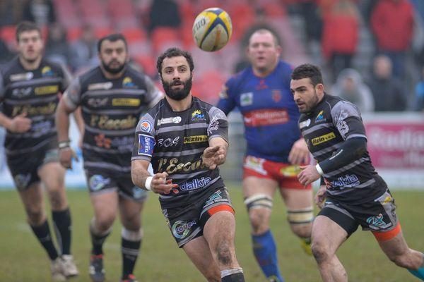 Le Montluçon Rugby, engagé en Fédérale 2 lors de la saison 2015/2016, pourrait voir son avenir s'assombrir. Il est au bord du dépôt de bilan.