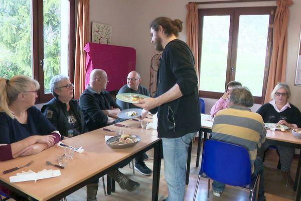 En Dordogne, 9 Groupes d'Entraide Mutuelle permettent d'accueillir et de sortir de l'isolement des personnes souffrant de troubles psychiques ou cognitifs, et pas nécessairement handicapés