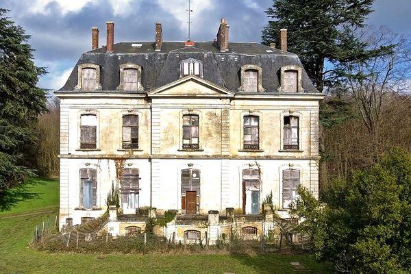 Le château du Haut Buisson, à Cherré-Au, sélectionné pour le Loto du Patrimoine 2021