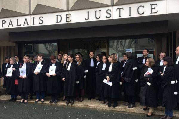 Le mouvement des avocats de la Roche-sur-Yon en février 2018 contre la réforme de la Justice