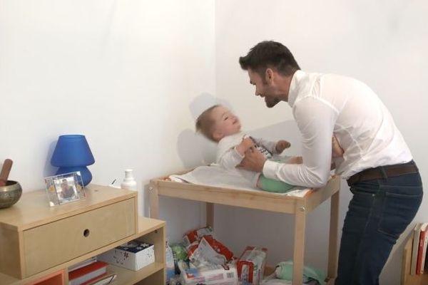 Prés de 800 000 enfants naissent chaque année en France.