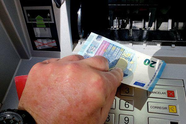 Un acte de vandalisme a provoqué la destruction d'un distributeur automatique de billets à Guérande